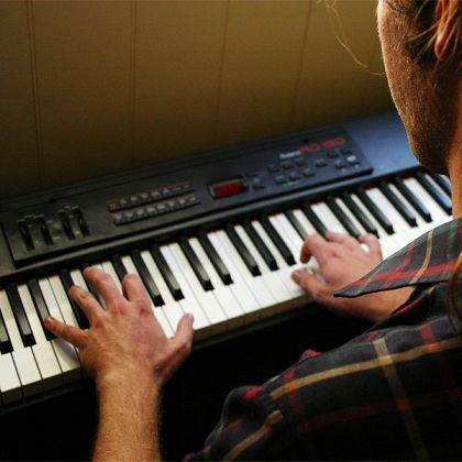 מורה לקלידים | לימודי קלידים